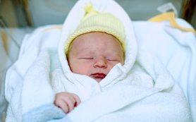 Как завернуть ребенка в одеяло?